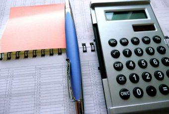 Czy płaca minimalna służy pracownikom?