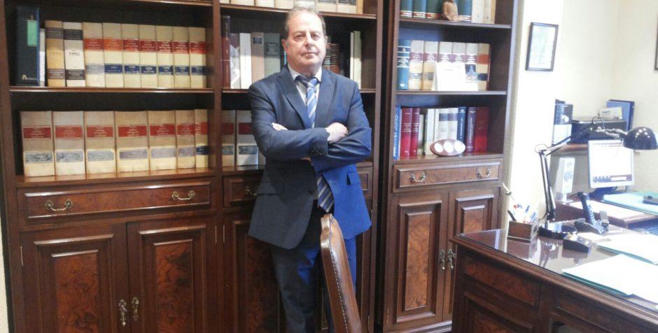 Poszukujemy odpowiedniego prawnika